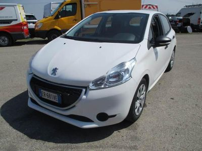 used Peugeot 208 1.4 HDi 68 CV 5 porte Van