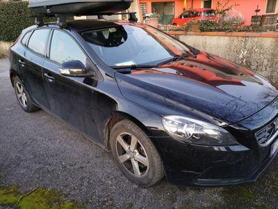 usata Volvo V40 nera 1.6 diesel Momentum
