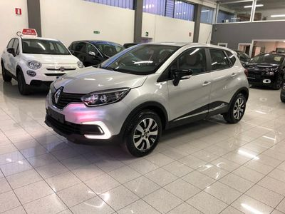 used Renault Captur TCe 90CV NAVI LED SENSORI PARCHEGIO PARI AL NUOVO