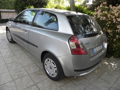 usata Fiat Stilo 1.9JTD Dynamic 3p