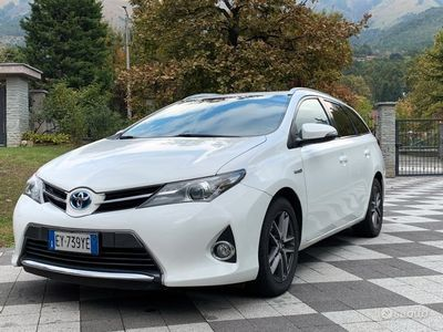 usata Toyota Auris Hybrid Sports 1.8 Active