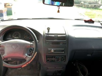 usata Toyota Picnic 2.2 90 CV 7 posti