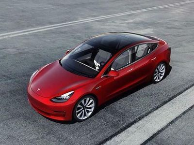 usata Tesla Model 3 -