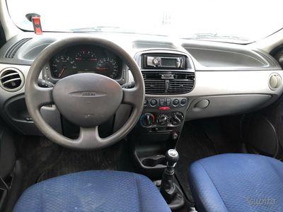 usado Fiat Punto 1.2i Benzina Neopatentati