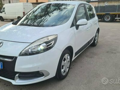 usata Renault Scénic 1.5dci restayling cambio automatico