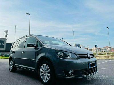 usata VW Touran 1.4 Metano e benzina cambio automatico