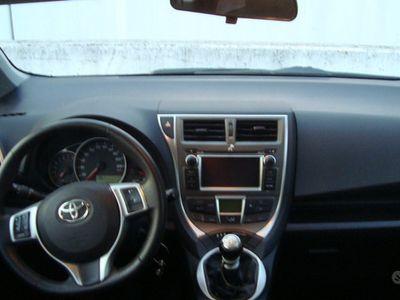 usata Toyota Verso-S - 2012