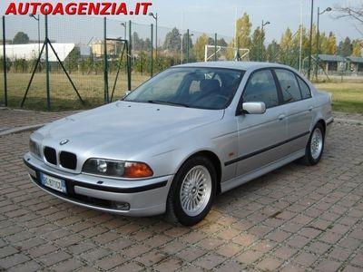 usata BMW 523 2500CC BENZ =