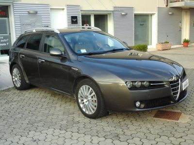 usata Alfa Romeo 159 2.4 JTDm 20V Sportwagon -2 Prop.-C.Aut.-Navig.-