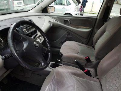 usado Nissan Almera Tino 2.2 TD
