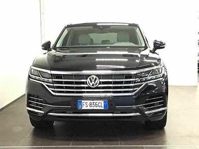 usata VW Touareg 3.0 V6 TDI 286 CV SCR Advanced del 2018 usata a Lucca