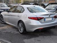 "usado Alfa Romeo Giulia 2.2 TD 180 CV AT8 SUPER NAVI PELLE BIXENO 18"" PDC"