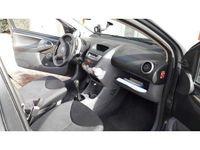 używany Toyota Aygo 1.0 12V VVT-i 3 porte Sol