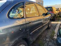 brugt Citroën Xsara Picasso 1.6 HDi 110CV FAP Class. Combi usato