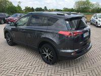 usado Toyota RAV4 Hybrid 4WD Style del 2016 usata a Pordenone