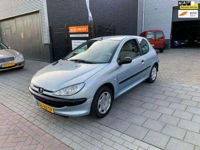 tweedehands Peugeot 206 1.1 XR Sport NAP APK tot 16-08-2021
