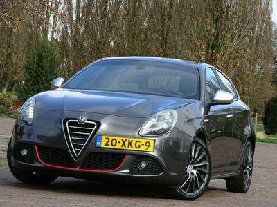 tweedehands Alfa Romeo Giulietta 1.4 Turbo 170PK / Distinctive automaat 2012 LED / *NAP*