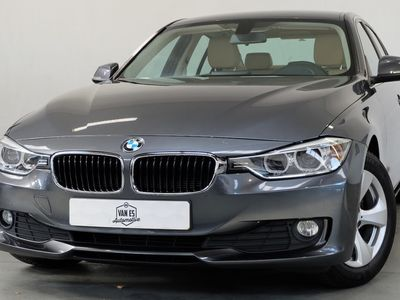 tweedehands BMW 320 320 i Executive / Prof. navi / Leder / NL'se auto
