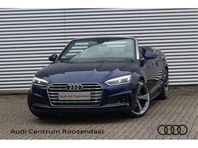 "tweedehands Audi A5 Cabriolet 40 TFSI 190PK Automaat Sport Massage Adaptive Cruise Control Trekhaak Stoelverwarming Eiken Hout Inleg B&O 20"" Velgen"