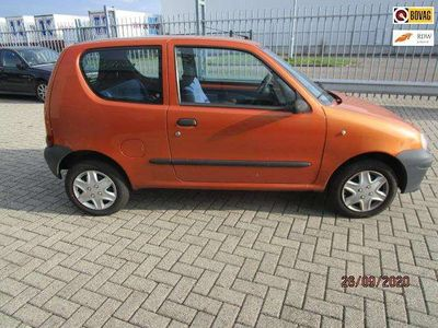 tweedehands Fiat Seicento Twee nieuwe banden, geen APK, loopt niet