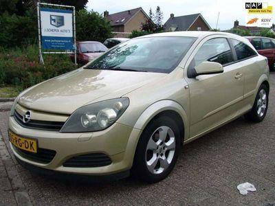 tweedehands Opel Astra GTC 1.6 Enjoy Airco NAP!!