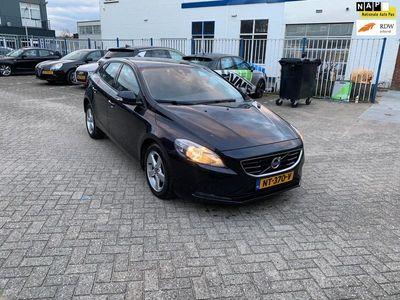tweedehands Volvo V40 2.0 D2 Momentum Business