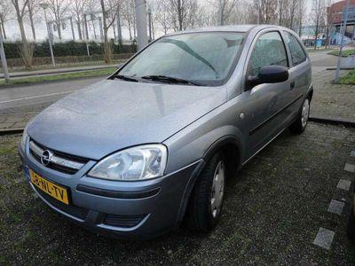 tweedehands Opel Corsa 1.0-12V Essentia LET OP!! Auto rijdt niet meer!!