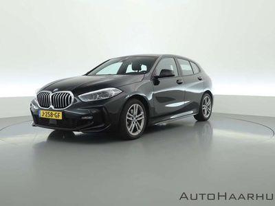 tweedehands BMW 118 1 Serie i Executive M Sport Automaat Nieuw model   Navi   LED   Apple CarPlay   Stoelverw.