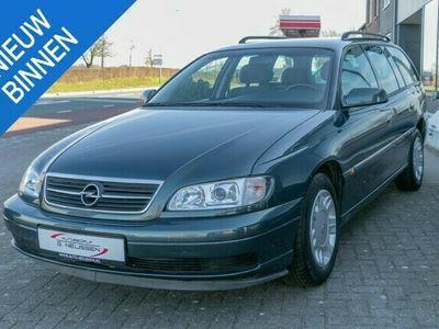 tweedehands Opel Omega Wagon 2.2i-16V Comfort