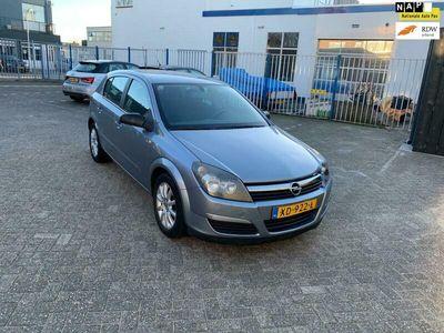 tweedehands Opel Astra 1.4 Cosmo Zondag's open