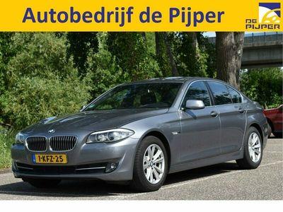 tweedehands BMW 520 5-SERIE 520I I EXECUTIVE NED.AUTO, 1STE EIGENAAR, M-PAKKET INTERIEUR, FLIPPERS, NAVIGATIE, CRUISE CONTROL