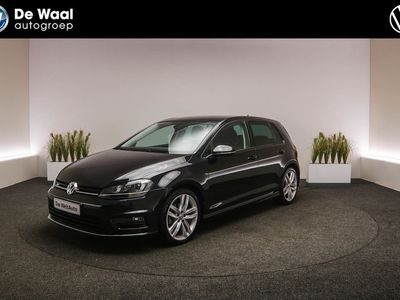 "tweedehands VW Golf 1.6 TDI 110pk Connected Series |18"" Lichtmetalen Velgen, Bi-Xenon, R-Line, DAB