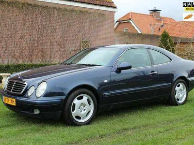 tweedehands Mercedes CLK200 Coupé Elegance ,AUTOMAAT,SCHUFKANTELDAK,113350 KM,