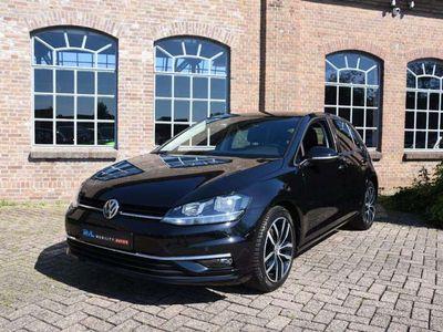 tweedehands VW Golf 1.5 TSI Highline 150pk Automaat Navigatie Lederen