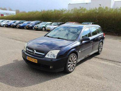 tweedehands Opel Vectra Wagon 3.2 V6 Elegance Climate controle/Lederen bekleding+stoelverwarming/Parkeersensoren achter/Trekhaak/APK t/m 27-08-2021