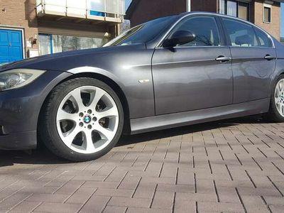 tweedehands BMW 330 i Dynamic Exec.