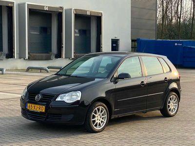tweedehands VW Polo 1.4-16V Optive 5drs + Airco + Trekhaak + 4 seizoen