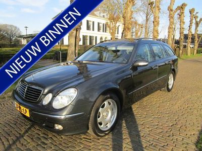 tweedehands Mercedes 240 E-KLASSE CombiElegance Climate/Cruisecontrol Schuif/Kantedak Lm Velgen Pdc Trekhaak Navigatie