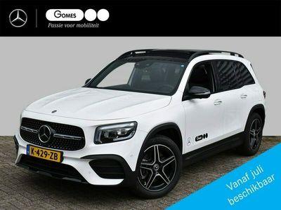 tweedehands Mercedes GLB250 4MATIC Premium AMG   Van 81.663 Voor €68.950   Nightpakket   Rijassistentiepakket   Panoramadak   Memorystoelen verwarmd   360° Camera