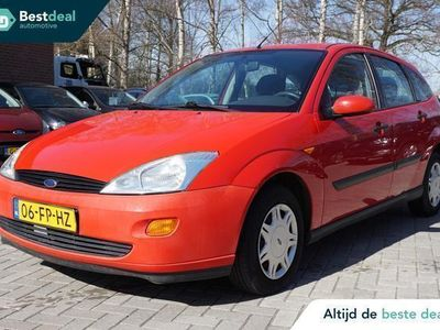 tweedehands Ford Focus 1.4-16V Ambiente