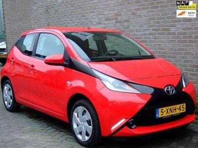 tweedehands Toyota Aygo 1.0 VVT-i x-play - Cruise control - 1e eigenaar! -