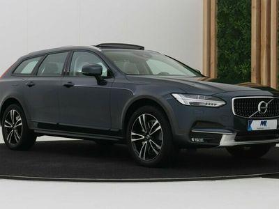 tweedehands Volvo V90 CC 2.0 T6 Pro | B&W | Luchtvering A +Four-C | Panoramadak | Keyless |