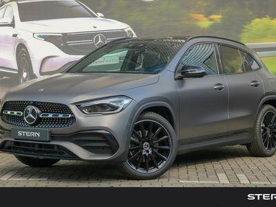 tweedehands Mercedes GLA200 GLA-KlasseAMG Line | Panoramadak | Premium Plus | Nightpakket