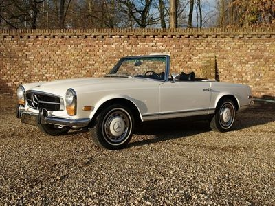 tweedehands Mercedes 280 SL Pagode matching numbers manual fully restored condition