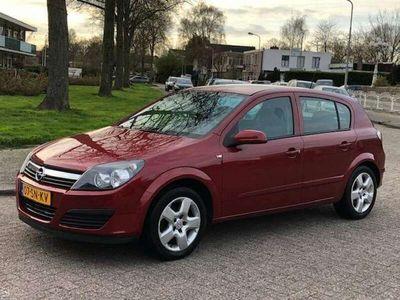 tweedehands Opel Astra 1.6 Executive 2006 Trekhaak! Navi! Cruise control!