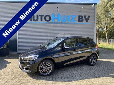 tweedehands BMW 220 2 Serie Active Tourer Sport Line LED Achterrijcamera Adaptieve Cruise Control Climate Control i Executive