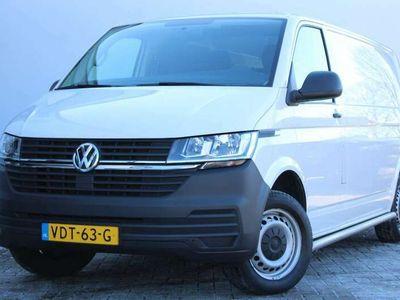 tweedehands VW Transporter 6.1 2.0 TDI 110pk L2H1 | Cruise control | Airco | Bluetooth | Lat-om-lat | Betonplex laadvloer
