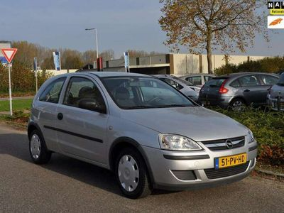 tweedehands Opel Corsa 1.2-16V Rhythm / STUURBEKRACHTIGING / CRUISE CONTROL / NIEUWE APK / NAP / ZEER NETTE STAAT