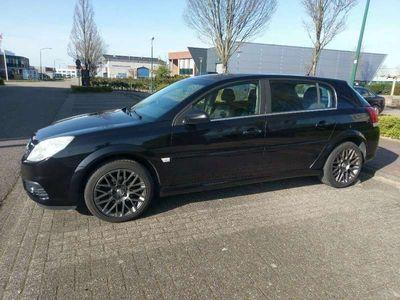 tweedehands Opel Signum 2.2-16V Business