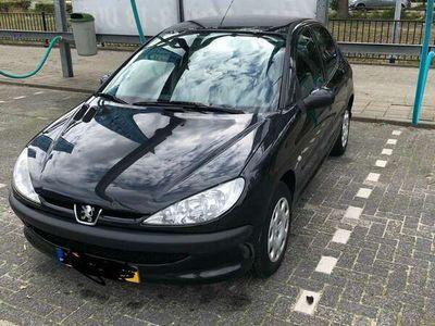 tweedehands Peugeot 206 1.4. airco/verwarming + radio + grote beurt